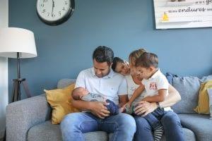 Baby, vader, moeder en twee broertjes